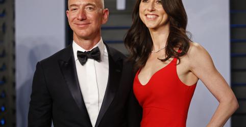Placeholder - loading - Imagem da notícia Ex-esposa de Jeff Bezos cede controle da Amazon em acordo de divórcio