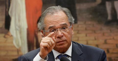 Placeholder - loading - Imagem da notícia Guedes quer aproveitar holofotes com CCJ para reforçar aproximação com parlamentares, diz fonte