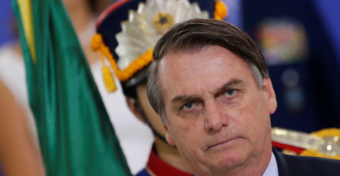 Placeholder - loading - Imagem da notícia Bolsonaro diz que Previdência será 'aperfeiçoada' no Congresso e capitalização não é essencial agora
