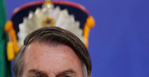 Placeholder - loading - Imagem da notícia Bolsonaro diz que não nasceu para ser presidente, mas está aprendendo