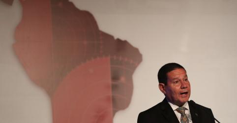 Placeholder - loading - Imagem da notícia Mourão discute pressão contra Venezuela com vice-presidente dos EUA