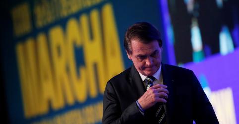 Placeholder - loading - Imagem da notícia Bolsonaro diz que Previdência é encruzilhada; anuncia apoio a aumento em fundo de municípios