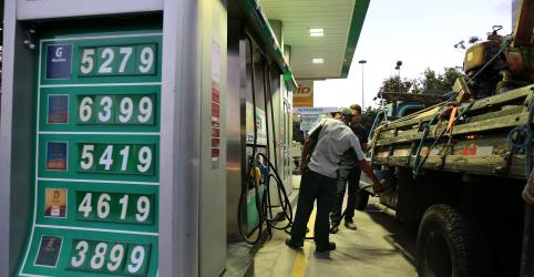 Placeholder - loading - Imagem da notícia Diesel da Petrobras sobe 5,7% e atinge máxima de quase 6 meses
