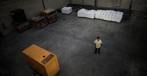 Placeholder - loading - Imagem da notícia Centenas de horas sem luz aprofundam crise das indústrias da Venezuela