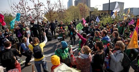 Placeholder - loading - Manifestantes contra mudança climática ameaçam paralisar ruas centrais de Londres