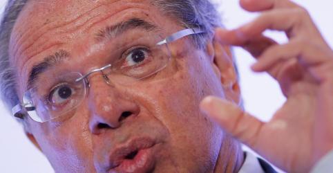 Petrobras é independente para definir preços, diz Guedes