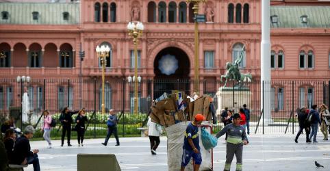 Argentina anuncia medidas para conter inflação e reativar consumo em meio à crise