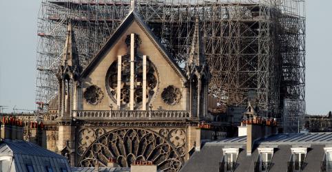 Após incêndio de Notre-Dame, Macron diz que papa visitará a França