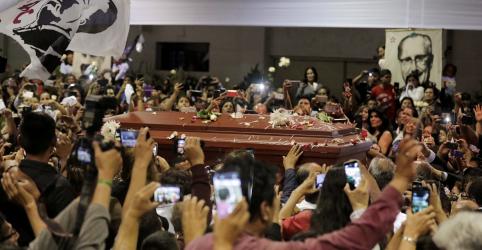 Corpo de ex-presidente peruano Alan García é velado em sede de partido político