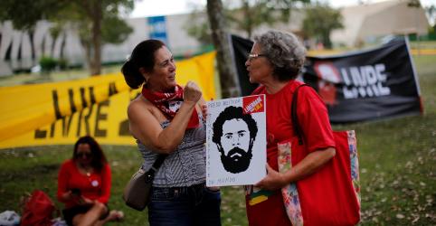 Placeholder - loading - Imagem da notícia Por unanimidade, 5ª Turma do STJ mantém condenação a Lula no caso do tríplex, mas reduz pena para 8 anos e 10 meses