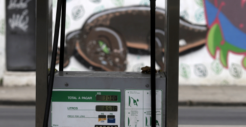 Placeholder - loading - Governo reajusta em 4,13% tabela de fretes após alta do diesel