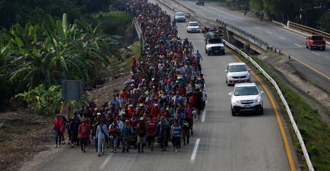 Trump cobra México a ampliar repressão a nova caravana de imigrantes