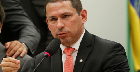 Placeholder - loading - Imagem da notícia Presidente da comissão da Previdência diz que pode encerrar debates em 10 sessões
