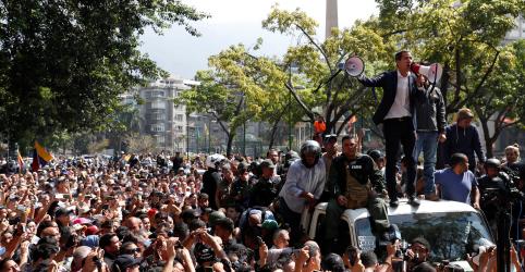 Placeholder - loading - Imagem da notícia Guaidó convoca militares para depor governo; Maduro diz que tem lealdade das Forças Armadas