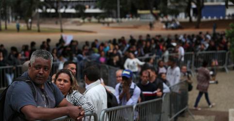 Placeholder - loading - Taxa de desemprego do Brasil sobe a 12,7% no 1º tri com desalento recorde