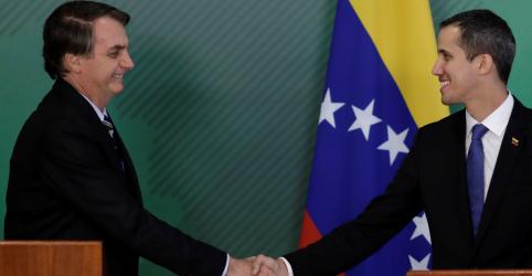 Bolsonaro diz que Brasil se solidariza com Venezuela e que apoia liberdade do país