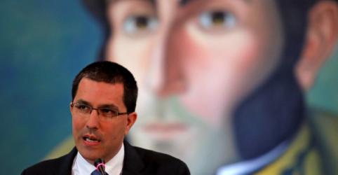 Chanceler da Venezuela diz que Maduro está no controle e culpa EUA por violência
