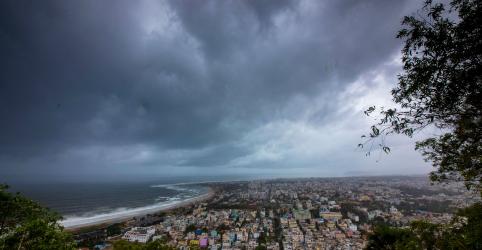 Placeholder - loading - Índia planeja remover 800 mil pessoas de casa por aproximação de ciclone