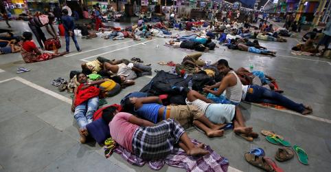 Ciclone atinge cidade turística da Índia; mais de 1 milhão de pessoas fogem do litoral