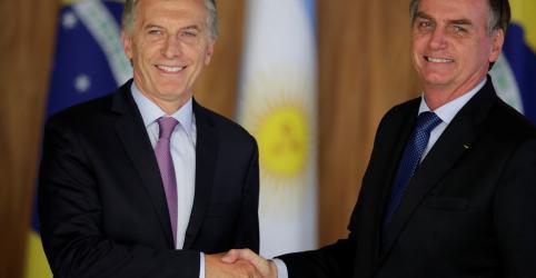 Placeholder - loading - Imagem da notícia Bolsonaro volta a criticar possibilidade de Cristina Kirchner comandar mais uma vez a Argentina