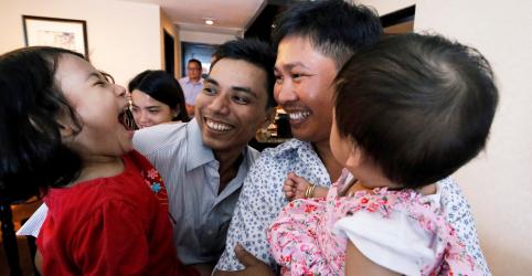 Placeholder - loading - Imagem da notícia SAIBA MAIS-Repórteres da Reuters são libertados em Mianmar