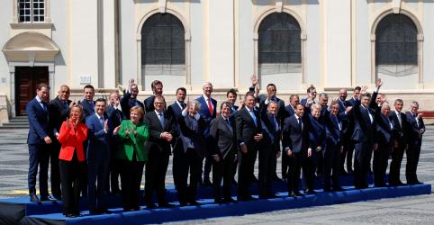 Placeholder - loading - Imagem da notícia Líderes da UE se comprometem a combater mudanças climáticas e defender regras comerciais