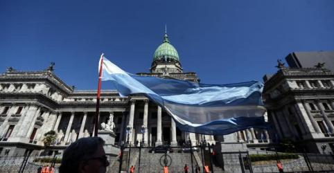 Placeholder - loading - Deputado argentino é baleado próximo do Congresso; estado de saúde é grave