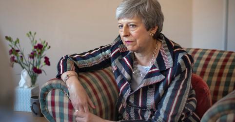 Placeholder - loading - Imagem da notícia Partido de May despenca para 5º lugar em pesquisa britânica para eleição europeia