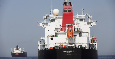 Placeholder - loading - Imagem da notícia Em meio a tensões com o Irã, petroleiros sauditas estão entre os atingidos na costa dos Emirados Árabes