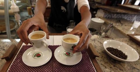 Setor de serviços do Brasil recua em março e interrompe 2 trimestres de ganhos