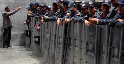 Placeholder - loading - Imagem da notícia Suprema Corte da Venezuela acusa mais parlamentares de traição; Congresso é fechado