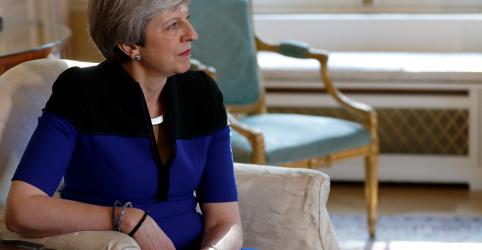 Placeholder - loading - Imagem da notícia May levará acordo sobre Brexit novamente ao Parlamento no início de junho