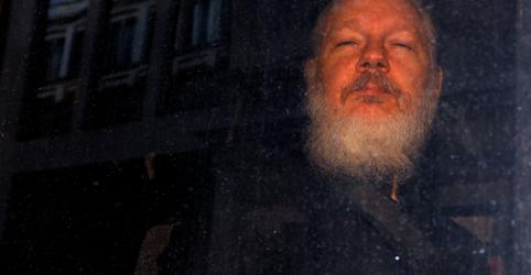 Procuradoria sueca pede prisão de Assange por alegação de estupro