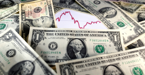 Dólar abandona queda e sobe acima de R$4,10 com incerteza sobre política
