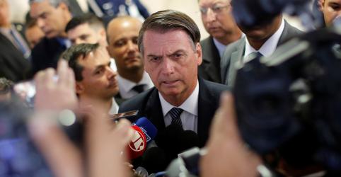 Placeholder - loading - Imagem da notícia Bolsonaro ainda não decidiu se irá a manifestação a favor do governo no domingo, diz porta-voz