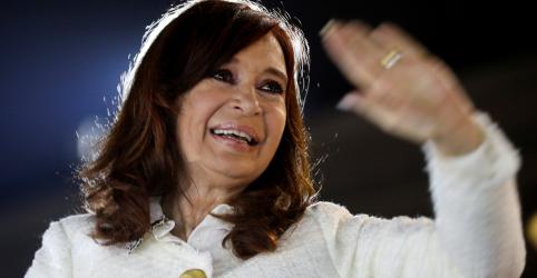 Placeholder - loading - Imagem da notícia Cristina Kirchner diz que julgamento de corrupção é 'cortina de fumaça' política