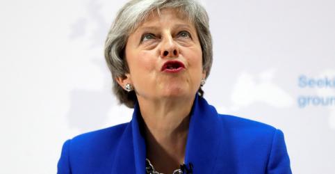 Premiê May pede que parlamentares votem sobre segundo referendo do Brexit