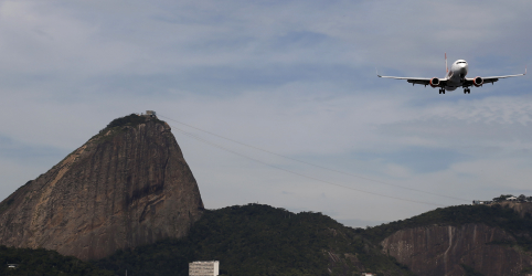 Câmara aprova MP que amplia capital estrangeiro nas aéreas e texto vai para o Senado