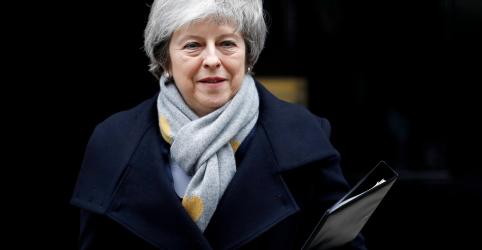 Placeholder - loading - May tenta se manter como premiê apesar de fracasso de manobra do Brexit
