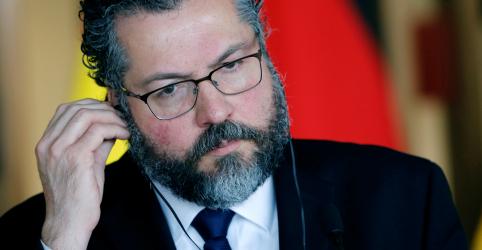 Placeholder - loading - Imagem da notícia Vitória de nacionalistas no Parlamento Europeu pode favorecer Brasil, avalia Araújo