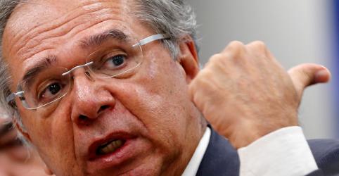 Guedes rechaça 'qualquer hipótese' de abandonar projeto de retomada econômica, diz ministério