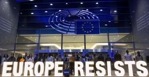 Nacionalistas crescem no Parlamento Europeu, mas partidos pró-UE ainda dominam