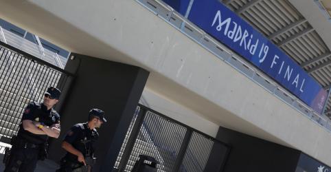 Placeholder - loading - Imagem da notícia Jogadores e dirigentes espanhóis são detidos por suspeita de manipulação de jogos