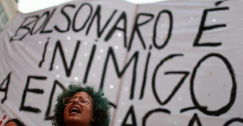 Placeholder - loading - Imagem da notícia Manifestantes voltam às ruas contra bloqueios na educação, MEC diz que professores não podem divulgar atos