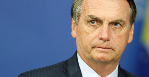 Placeholder - loading - Bolsonaro diz que tendência é vetar bagagem gratuita de até 23kg em voos nacionais