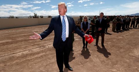 Placeholder - loading - Imagem da notícia Trump ameaça México com tarifas crescentes a menos que imigração ilegal acabe