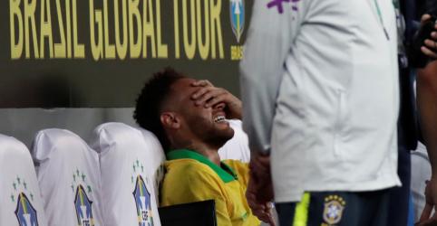 Placeholder - loading - Imagem da notícia Neymar é cortado da seleção brasileira para Copa América por lesão