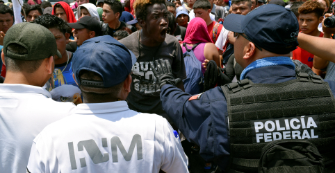 Placeholder - loading - Imagem da notícia México aciona Forças Armadas para deter imigrantes na fronteira sul