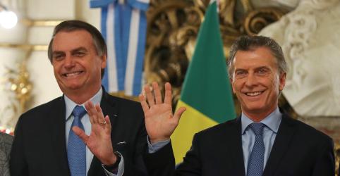 Placeholder - loading - Imagem da notícia Bolsonaro volta a falar em moeda única entre Brasil e Argentina, mas diz que não tem prazo