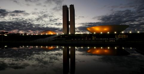 Placeholder - loading - Imagem da notícia Governadores do Nordeste fazem nova carta sobre Previdência e negam apoio a texto de Ibaneis